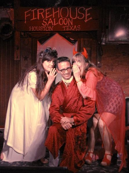 Chuck Palahniuk with Monica Drake (left) and Chelsea Cain (right) on the 'Doomed' tour in New Orleans
